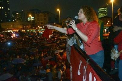 Foto: Luciana Genro esteve no ato do dia 15/04 contra o PL das Terceirizações em São Paulo | Foto: Divulgação/MTST